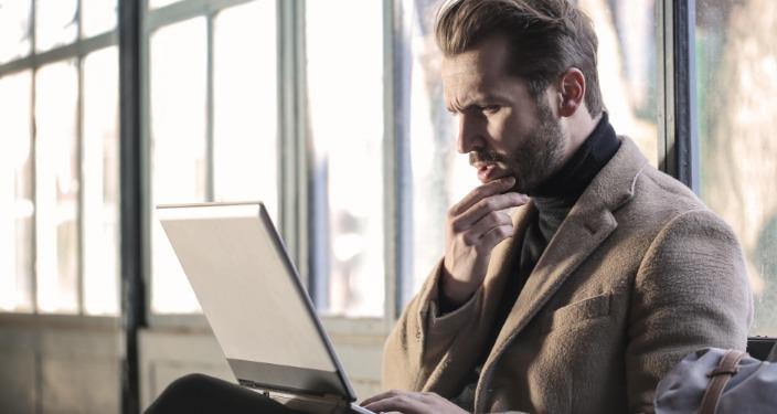 šta radi online PR manager